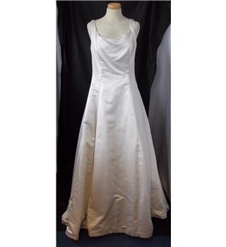 Galina size 32 bust cream full length wedding dress for Oxfam wedding dress shop