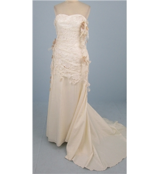 Lasposa size 12 cream and ivory strapless wedding dress for Oxfam wedding dress shop