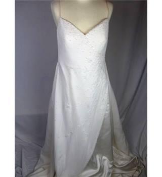 Ronald joyce size 14 beaded wedding dress oxfam gb for Oxfam wedding dress shop