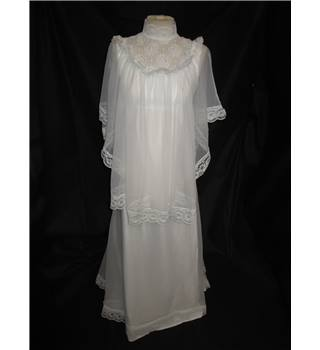 Size 8 white high neck empire wedding dress and for Oxfam wedding dress shop