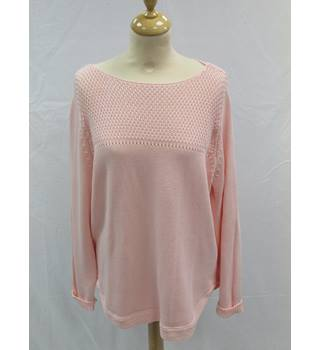 M/&S PURE COTTON JUMPER IN SOFT ORANGE WITH CREW NECKLINE AND LONG SLEEVES BNWT