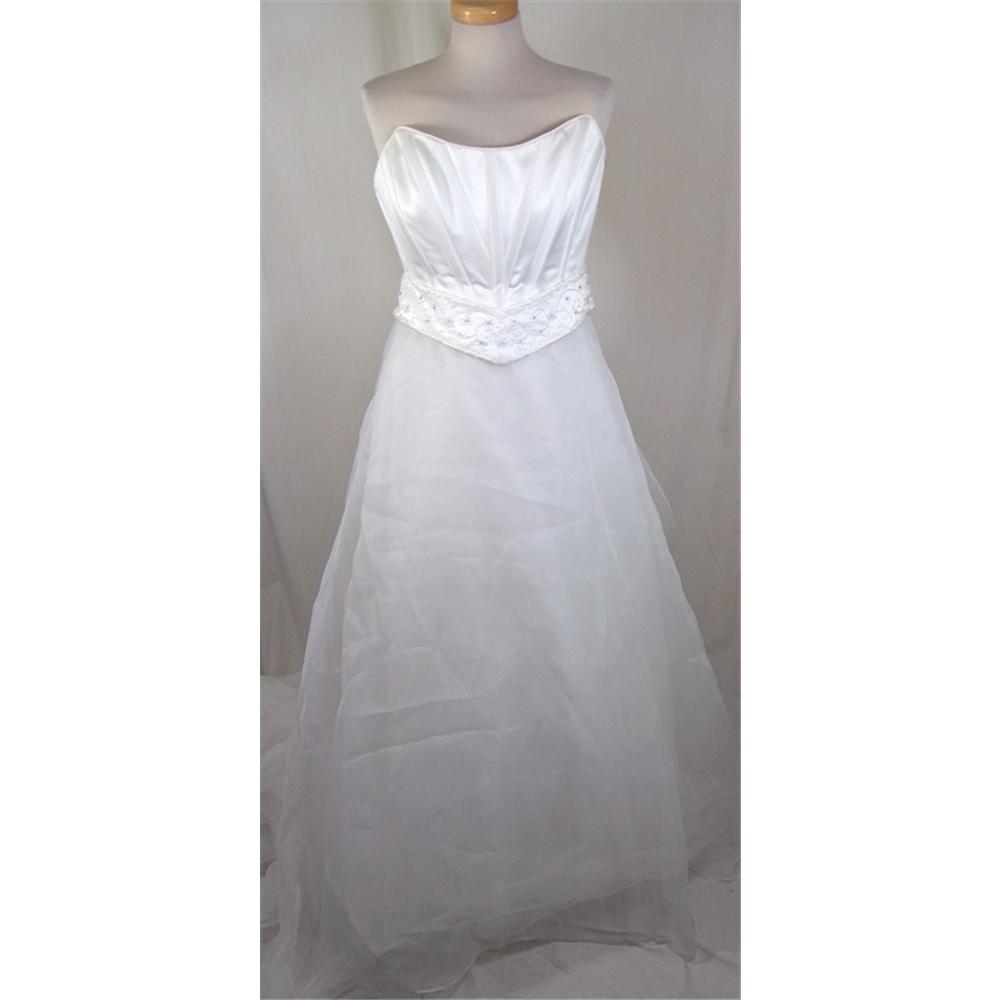 Infinity size 14 ivory wedding dress oxfam gb oxfam s for Oxfam wedding dress shop
