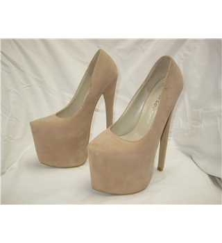 BNWT Koi Couture - Size: 3 - Cream - Court shoes