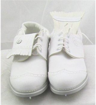 Etonic, size 5.5 white leather look spiked golf shoes