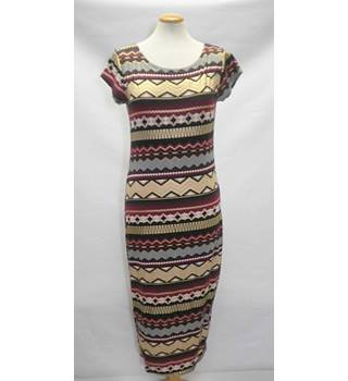 BNWT New Look Large Burgundy and Gold Aztec body con midi dress