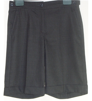 Gap size 6  charcoal grey shorts with turn ups