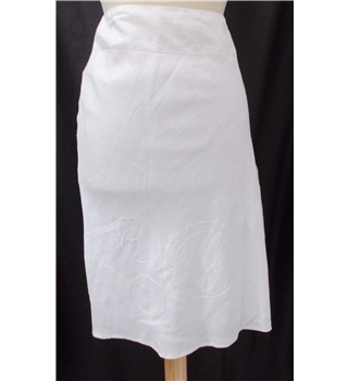 BNWT Rocha.John Rocha size: 16 white knee length skirt