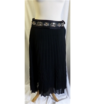 Jesiré black chiffon skirt - Size: 10 - Pleated skirt