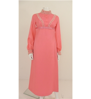 6d7978d14f757a Fashion Fighting Poverty - Vintage C. 1970 s Size 12 Unbranded Flamingo  Pink Midi Dress with
