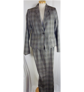 Scanlan & Theodore size 12 grey wool trouser suit