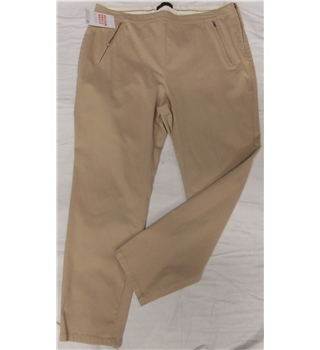 NWOT M&S - Size: 18 - Beige - Trousers