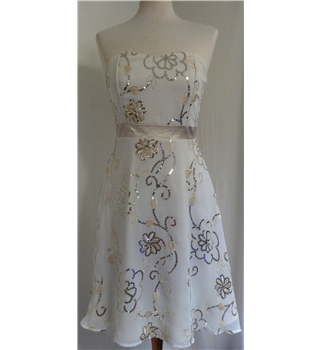 Bay - Size: 6 - White -Cocktail Dress