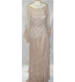 BNWT Cameron Blake dress Cameron Blake - Size: 8 - Beige - Evening dress
