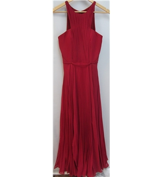 Stunning Dylan Queen bride / prom long dress in red - size 6