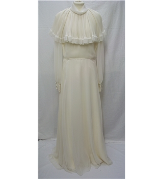 John Charles - Size: 14/16 - Cream / ivory - Vintage Bridal Gown