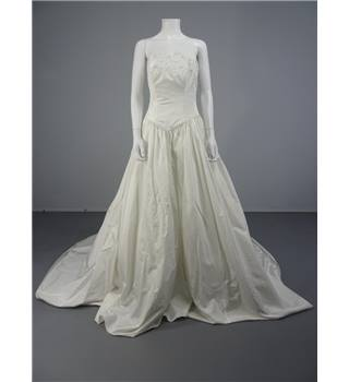 Tiffany Bridal Stunning Princess Ivory Size 14 Wedding Dress With Delicate Crystal Embroidery