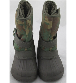 Kids, size 7 khaki mix outdoor style boots