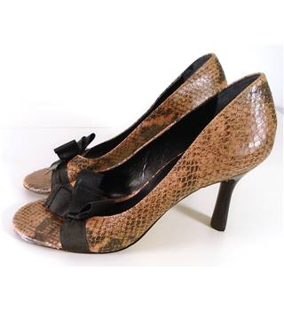 Antonio Melani Size 7 Pink Snake Print Open Toe Heeled Shoes