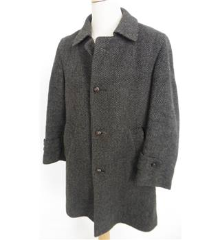 "Harrods Size: Medium, 40"" chest, standard length Shades Of Brown/Grey Herringbone Pattern Smart/Stylish Wool Tweed Over Coat"