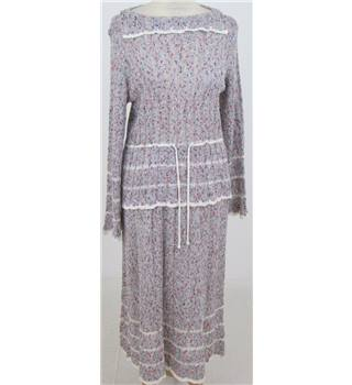 Unbranded Size:S grey mix pebbledash knitted skirt suit