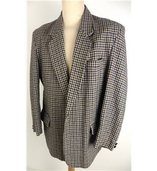 "Willson Size: Medium, 40"" chest, tailored fit Blue, Brown, Cream & Grey Hounds Tooth Stylish  Single Breasted Sports Jacket"