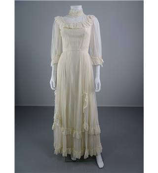 Vintage 1970'S Ivory Size 8 Wedding Dress With Polka Dot Overlay