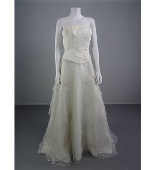 Strapless Ivory Size 10 Wedding Dress With Tiered Skirt