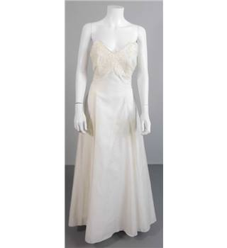 The House Of Nicholas London Ivory Size 14 Strapless Wedding Dress With Lace Detail
