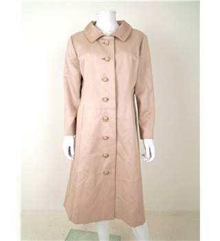 The Female Revolution Collection: Vintage 1960s Petite Francaise Size 18 Nude Pink Coat With Collar Pattern Detail