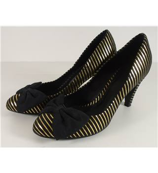 Andre Size 5 Black and Gold Striped Bow Front Heels