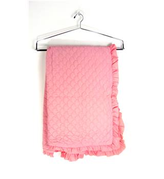 FAB50 Vintage Small Quilted Bed Cover In Hot Pink With Frill Edges