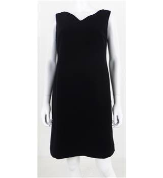 Harris Wallace Size 6 Black Shift Dress