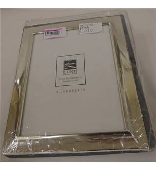 New - Lunt Silversmith - silver plated picture frame