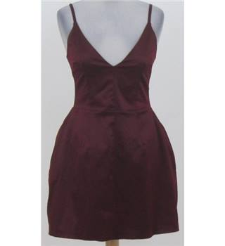 BNWT Hedonia size: 8 maroon strappy evening dress