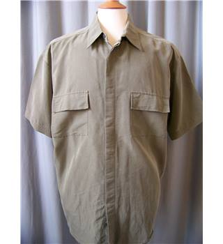 Stone River - Size: L - Green - Short sleeved