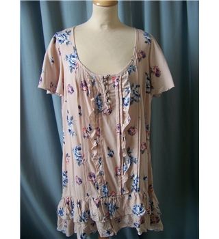 e. Arcadia Group - Size: 14 - pink with blue floral blouse