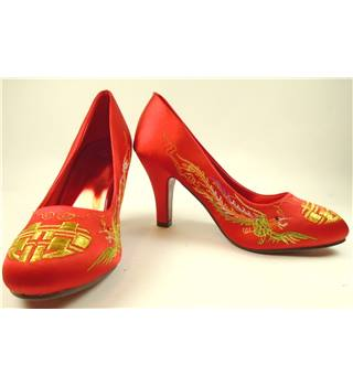 "Chinese traditional red embroidered wedding shoes  size 37 UK6  3.5"" heel"