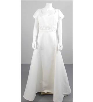 BNWT Forever Yours Size 14 Ivory Full Skirt Bridal Gown