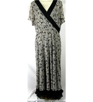 Berkertex Size 18 Black and Ivory Knee Length Floral Dress