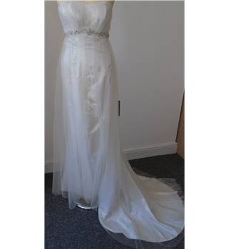 Beautiful Column Dress in Ivory - Size: 6
