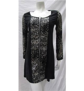 Think Size 8 Zip Print Dress Think - Size: 8 - Black