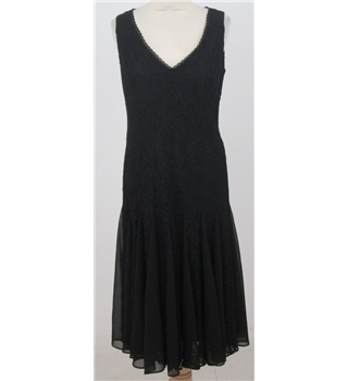 Anne Klein: Size 8: black lace dress