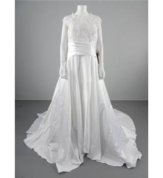 Bnwt Light In The Box Size 16 Ice White Wedding Gown Oxfam Gb