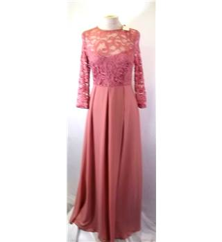 BNWT Queen B - Size: 10 - Pink - Full length Maternity  dress