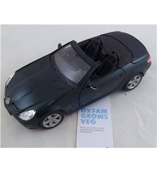 Maistro, Mercedes - Benz SLK, Die Cast Model. 1/18 Green.