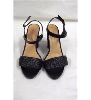 New Look - Size: 4 - Black - Sandals