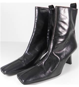 C.Doux Size 6.5 Midnight Black Leather Ankle Boots