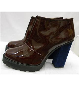 2nd Day - Size: 4 - Burgundy - Boots- Leather