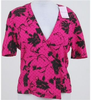 BNWT Dana Paris, size S pink floral short sleeved jacket