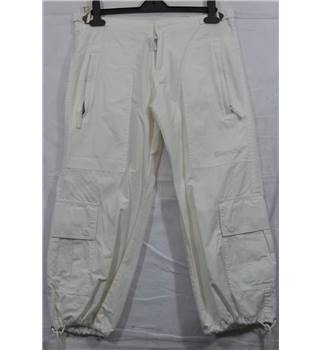 BNWT Bench-Size 28-Cream-Cropped Trousers.